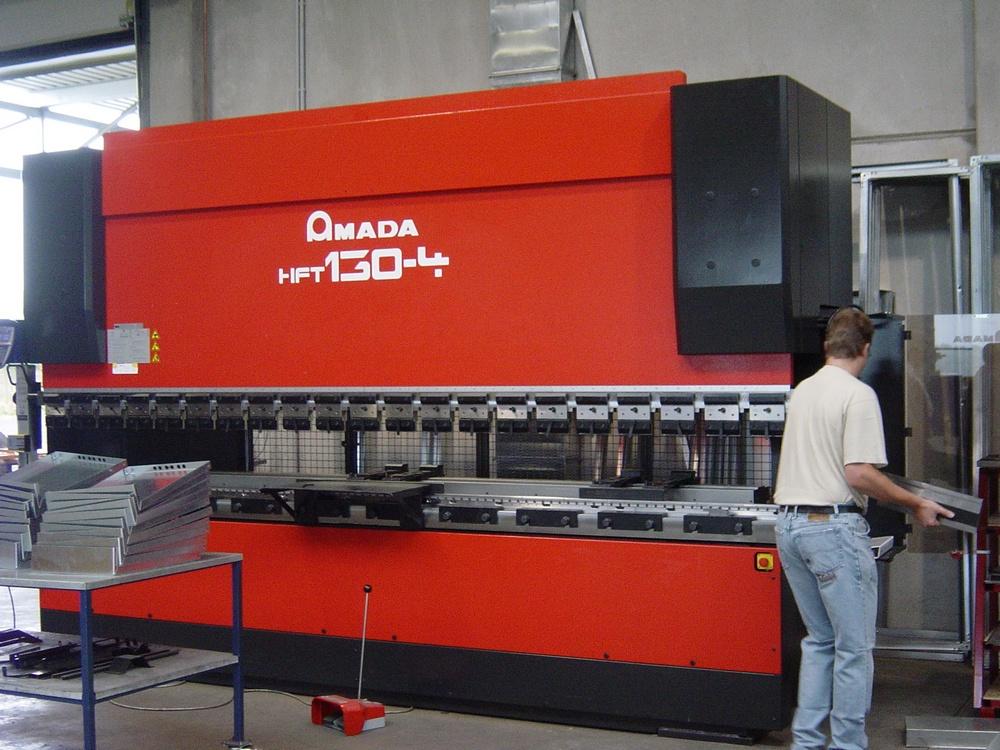 Blechbearbeitung Amada HFT 130-4