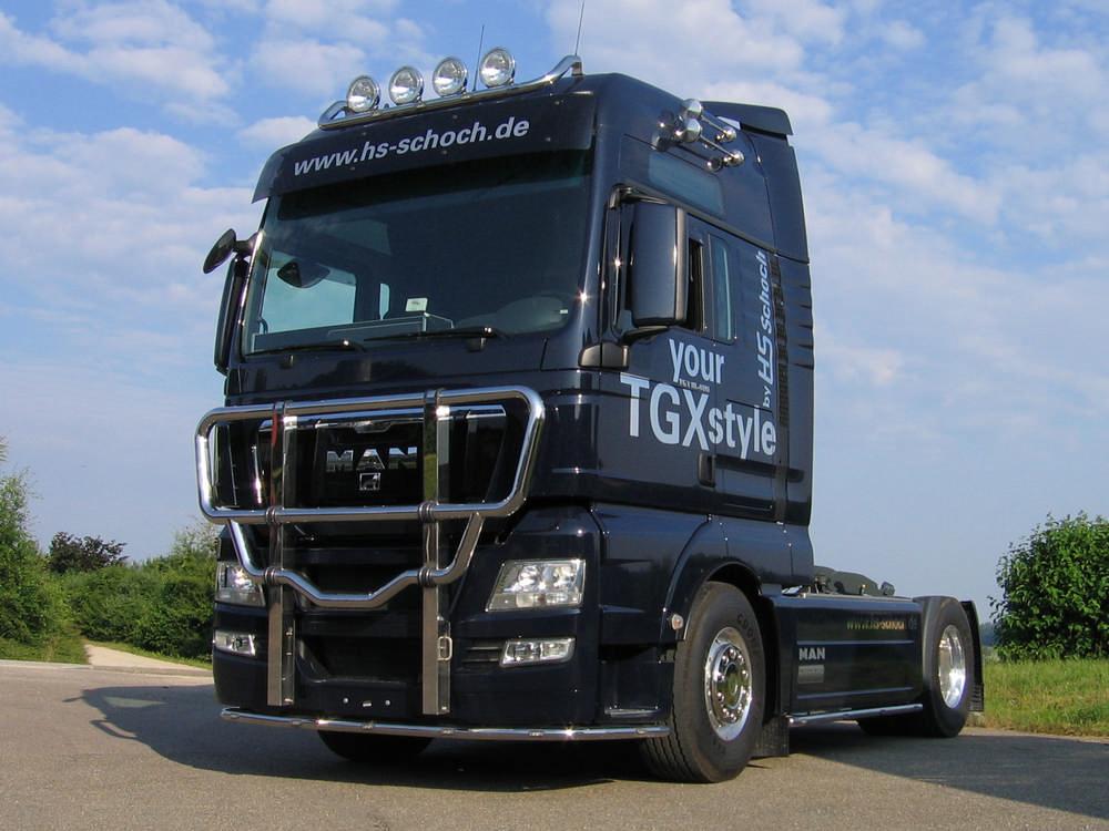 MAN-TGX-Bullfaenger-Rammschutzbuegel-Frontbuegel