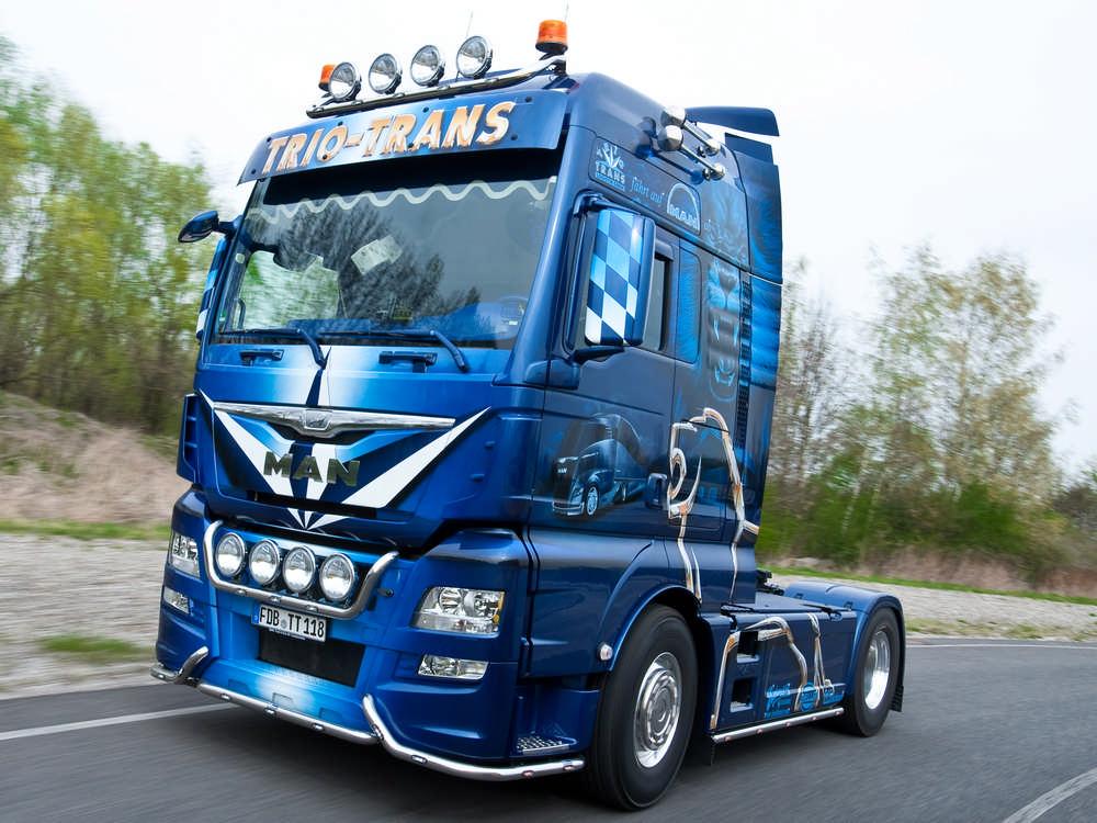 MAN TGX Euro 6 MAN TGA Dachlampenbuegel-Scheinwerferbuegel