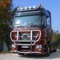 Mercedes-Benz Actros MP2 Bullfaenger Kuhfaenger Rammschutzbuegel