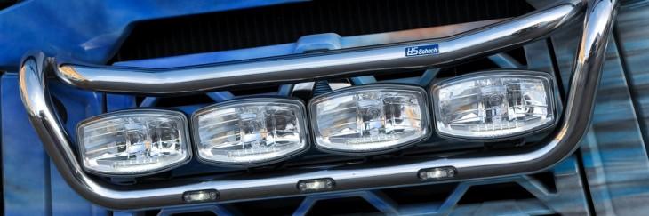 LKW-Zubehör für DAF, Iveco, MAN, Mercedes-Benz, Renault, Scania, Volvo: Scheinwerferbügel, Bullfänger, Ablagetische, LKW-Tische, Windabweiser, Spoiler, und Lampenbügel