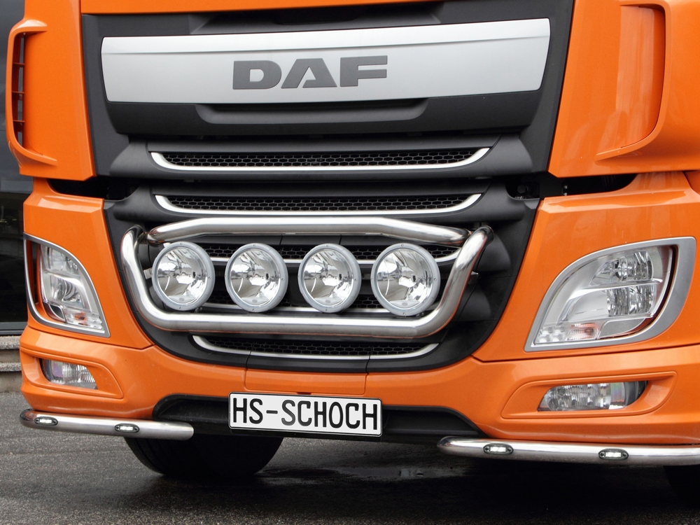 Frontlampenbuegel-Scheinwerferbuegel DAF XF Euro 6