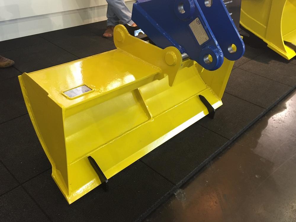 Планировочный ковш для мини-экскаватора МGRL