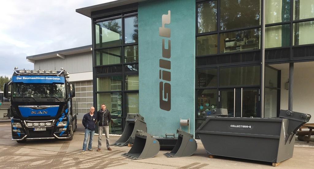 Übergabe Löffelpaket, Abbruch-Container Herr Wennemer (HS-Schoch GmbH & Co KG) & Bernd Gilch (Geschäftsführer Gilch GmbH)